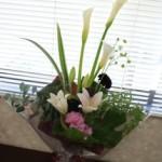 カラーと百合の花束